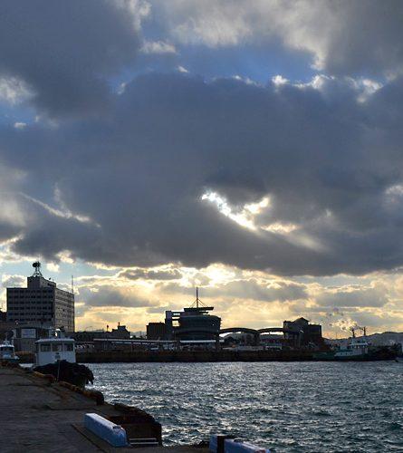 門司港の冬は予報気温よりマイナス3度です(店長の体感による)